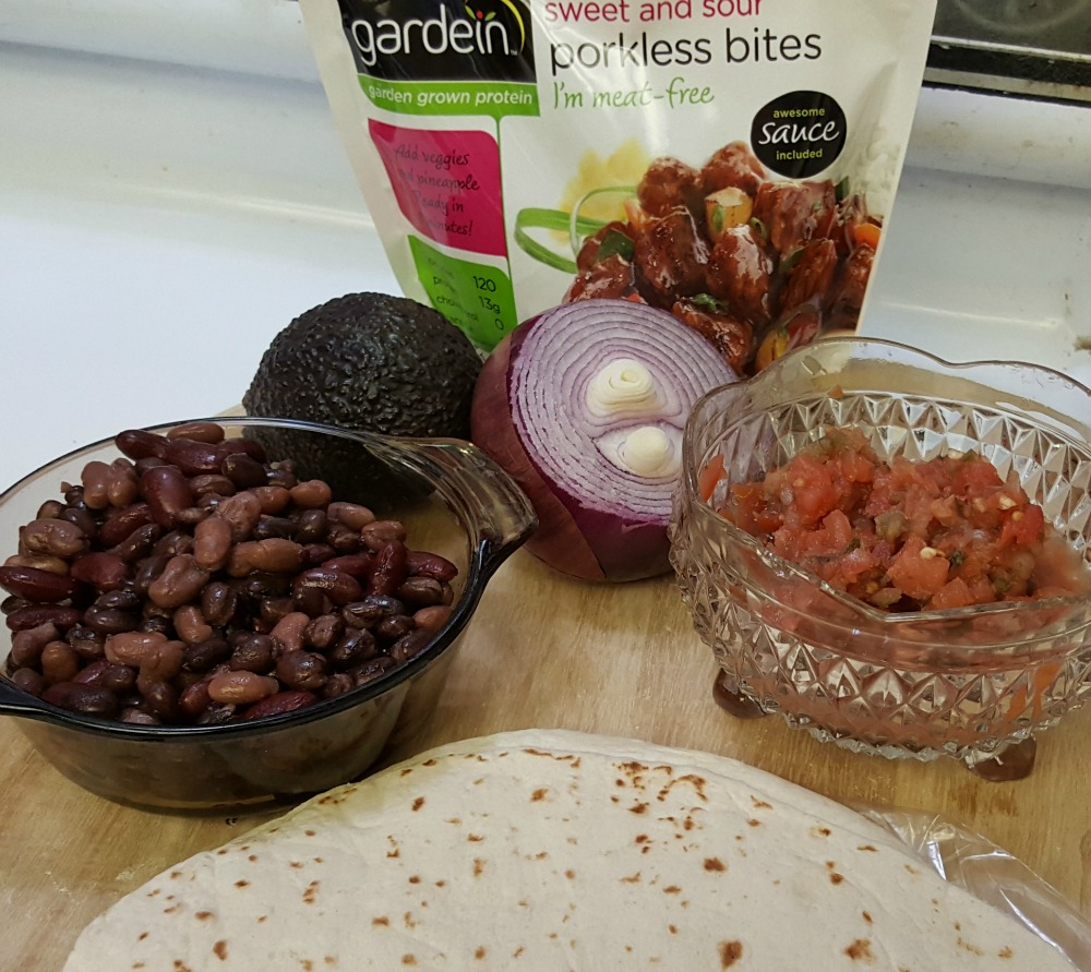 Yes you can eat healthy in 30 minutes thanks to Gardein Porkless Bites and vegan carnitas! #ad