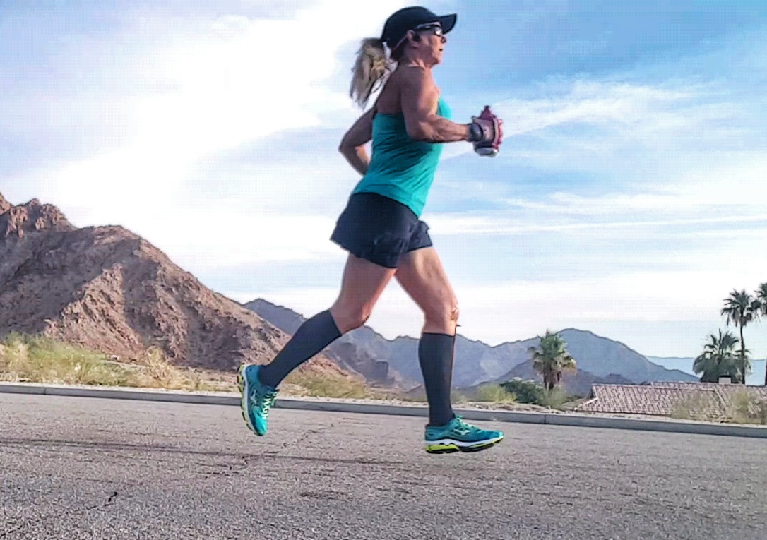 Do you want to take the perfect running selfie? Here are some tips that will make you fly (or at least look like it)!